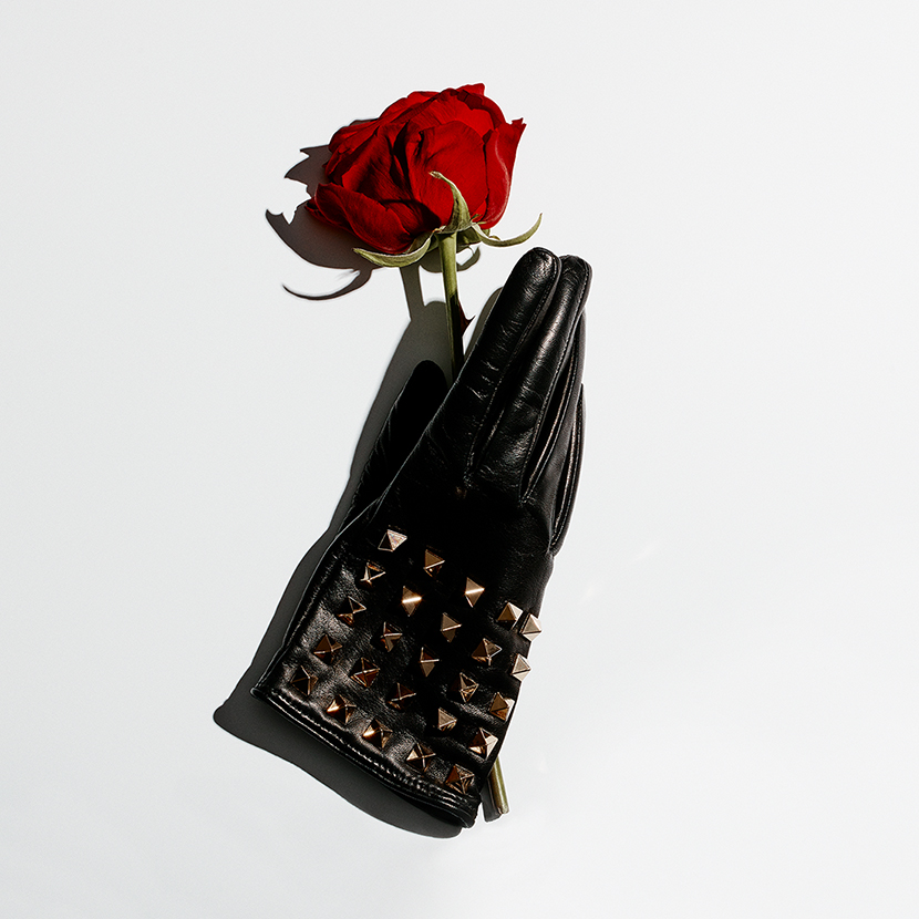 prada-glove-by-paul-krokos