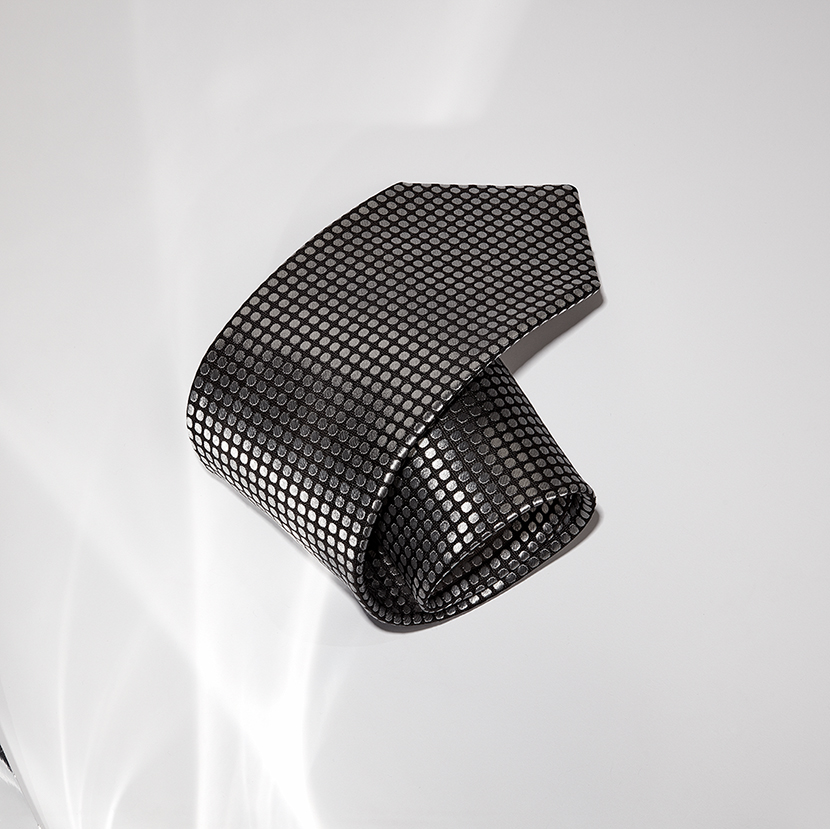 tom ford tie product photo